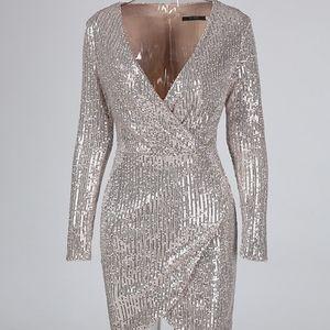 Gold sequin dresss